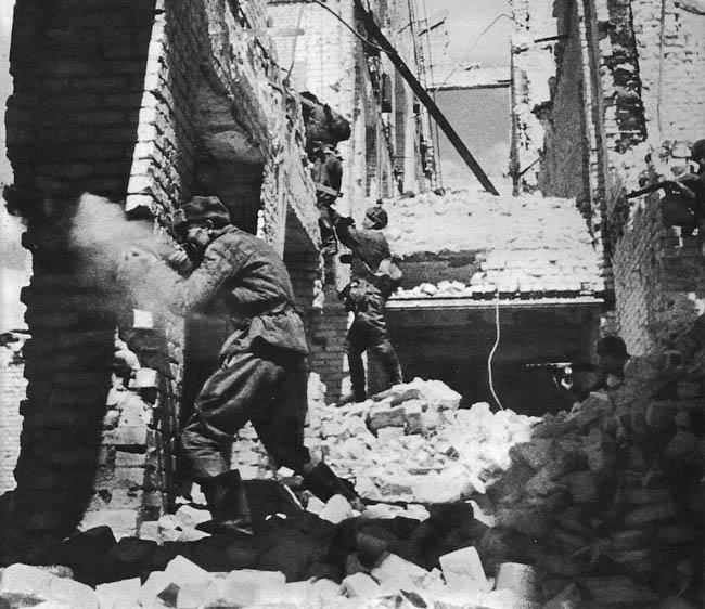Уличный бой в Сталинграде, осень 1942 года