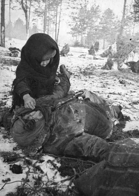 Концлагерь для гражданского населения «Озаричи» в Белоруссии, 1944 г. Автор съемки: Подшивалов Е.