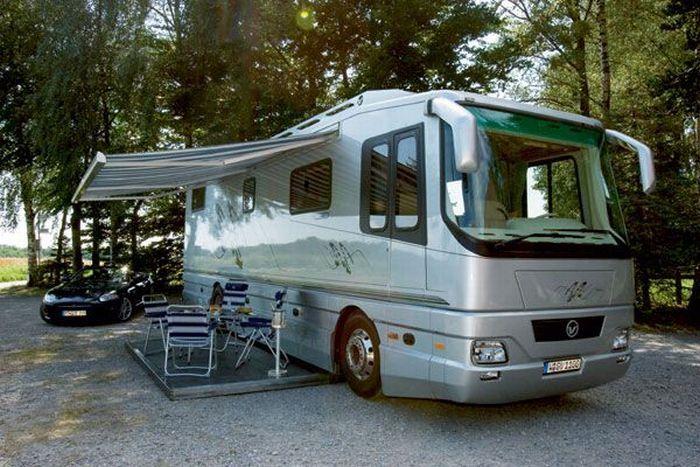 Автобус - дом - гараж