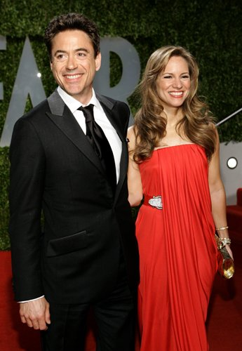 Оскар 2008 Роберт Дауни-младший с женой Сбюзан