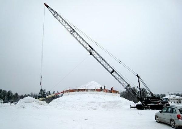 Самый большой снеговик