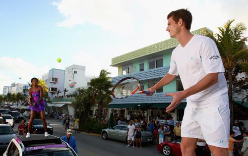 Теннис в автомобильной пробке