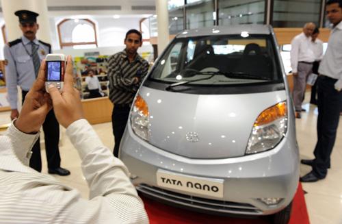 Самый дешевый автомобиль Маленький, но вместительный автомобиль способен развить скорость 60 километров в час за 19 секунд.
