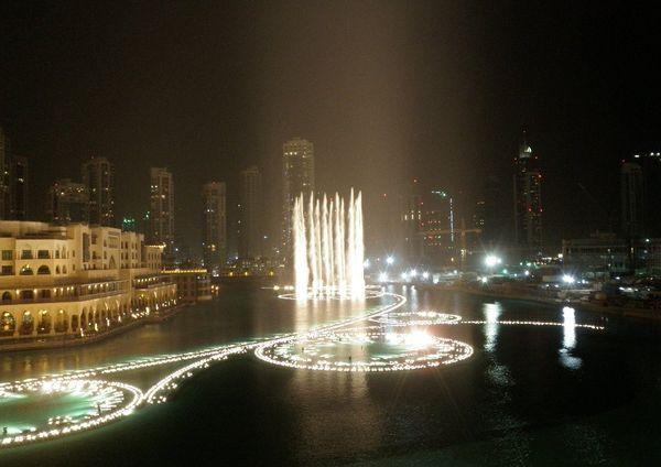 Красивейшие фонтаны мира Фонтан Дубай