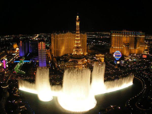 Красивейшие фонтаны мира Фонтан Белладжио (Лас-Вегас)
