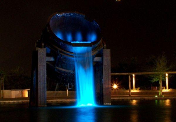 Красивейшие фонтаны мира Фонтан в Фундидора-парк (Монтеррей, Мексика)