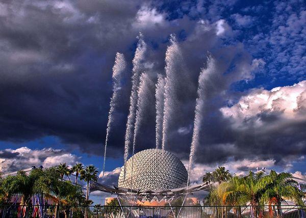 Красивейшие фонтаны мира Disney's Fountain of Nations (Фонтан Наций) в Диснейленде, Epcot (Флорида)