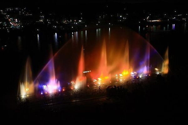 Красивейшие фонтаны мира Музыкальный фонтан Grand Haven Musical, Мичиган