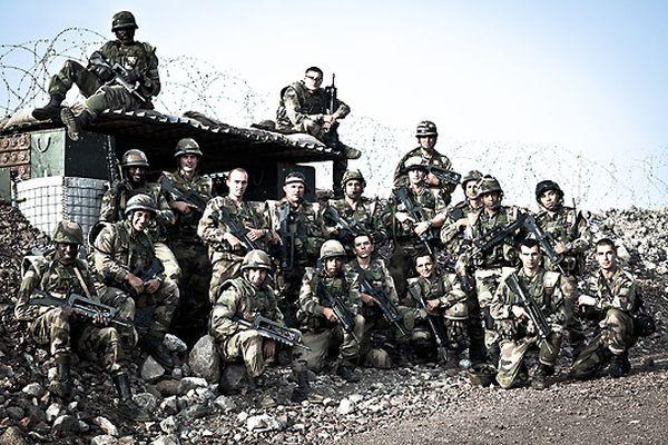 Французский Легион Фото служащих французского легиона.