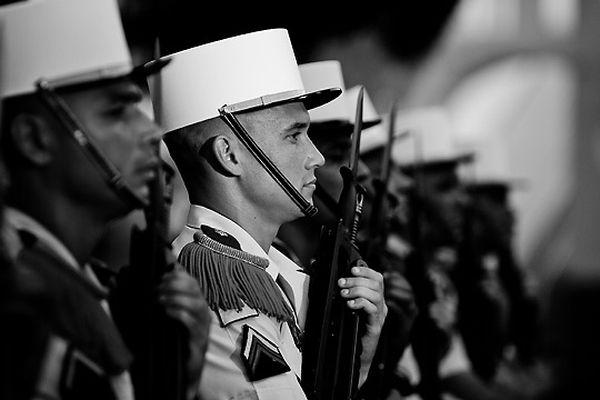 Французский Легион Фото французских легионеров в парадной форме.