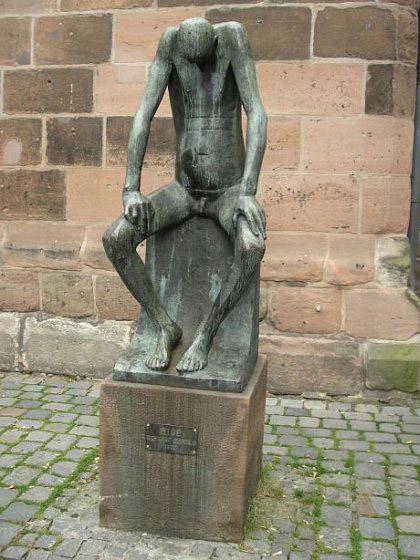 Странные и занятные статуи мира. Клик - следующее фото.