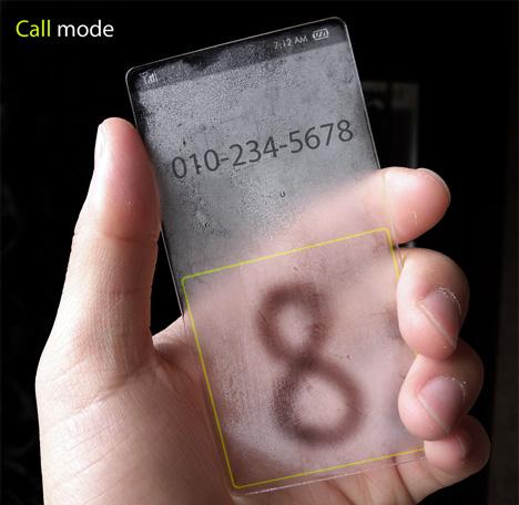 Телефон, показывающий погоду