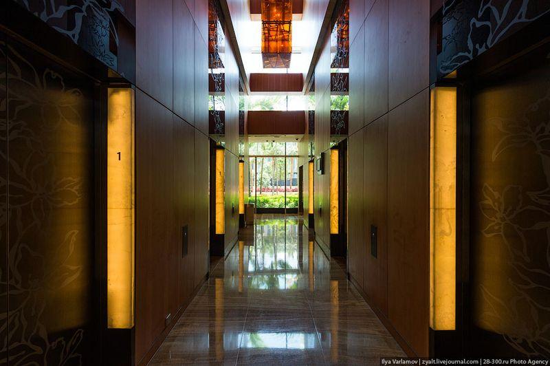 Отель Marina Bay Sands, бассейн под облаками Точнее ко мне в номер