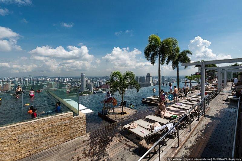 Отель Marina Bay Sands, бассейн под облаками но самое главное это бассейн