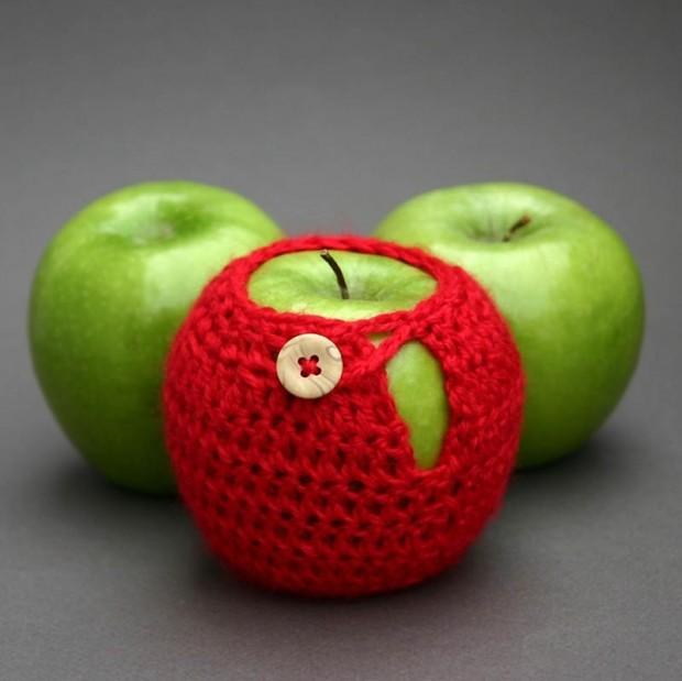 Интересные изобретения Свитера для яблок. Ну у кого язык повернется сказать, что это не нужная вещь?