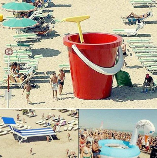 20 очень больших предметов Большие пляжные принадлежности на пляжах провинции Римини, Италия