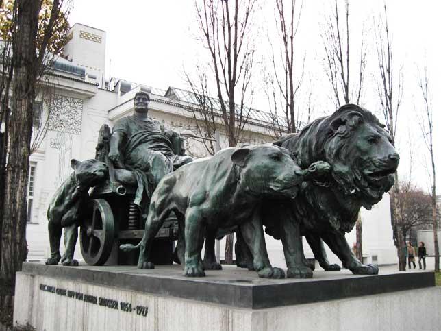 Музеи и достопримечательности Вены Римский мператор Марк Антоний на колеснице, запряженной львами
