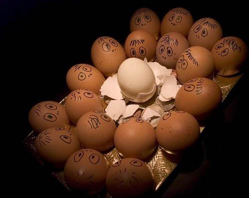 Креативные яйца-смайлики