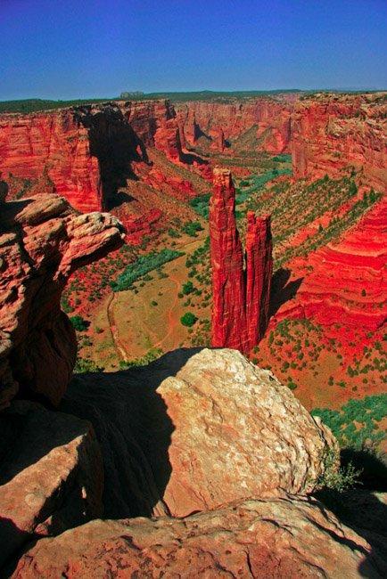 20 мест на планете, в существование которых трудно поверить Скала Паук, Каньон де Челли, Аризона