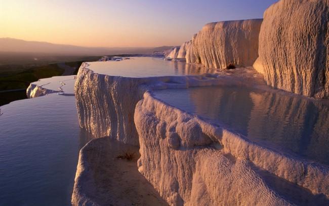 20 мест на планете, в существование которых трудно поверить Памуккале, Турция