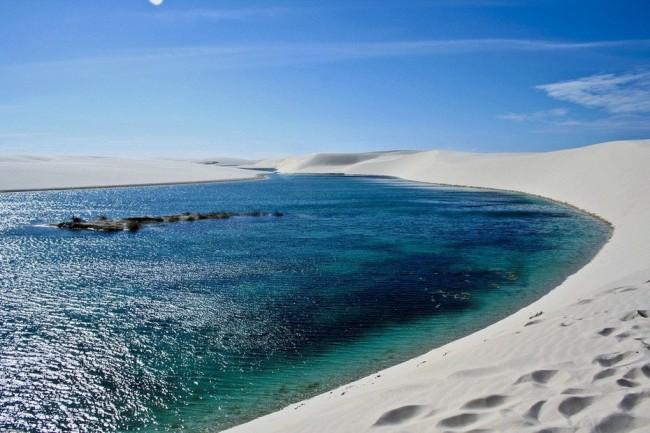 20 мест на планете, в существование которых трудно поверить Белые пески Lencois Maranhenses, Бразилия