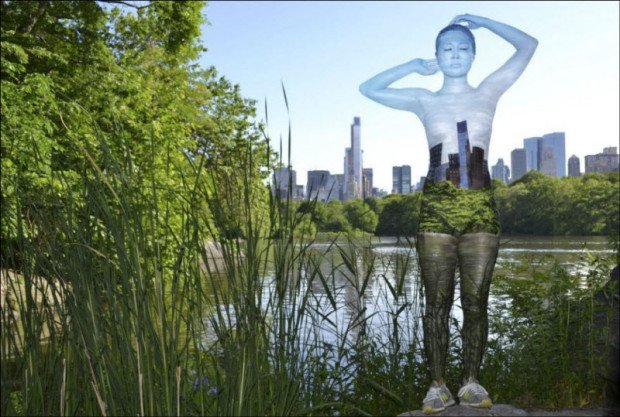 Модель становится прозрачной и сливается с пейзажем