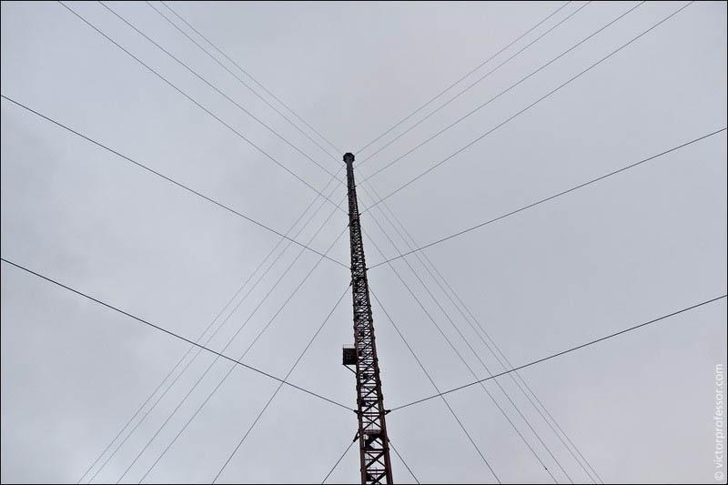 Самый высокий абандон Теперь снизу видна вся вышка целиком.