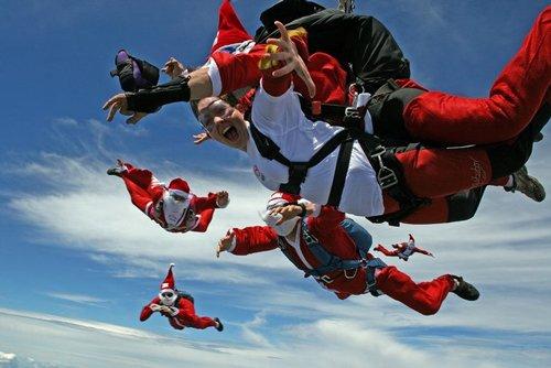 Лучшие Рождественские фотографии Прыжки с парашютом на Рождество неподалеку от австралийского Сиднея