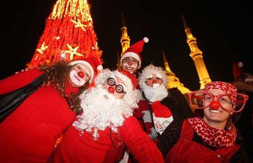 Лучшие Рождественские фотографии Рождественский флешмоб в Бейруте, Ливан
