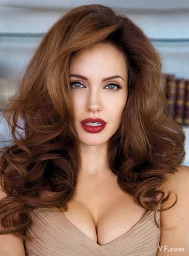 Лучшие фото года. Vanity Fair Анджелина Джоли. Photograph by Patrick Demarchelier; styled by Michael Roberts