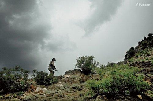 Лучшие фото года. Vanity Fair Афганский солдат. Photograph by Tim Hetherington