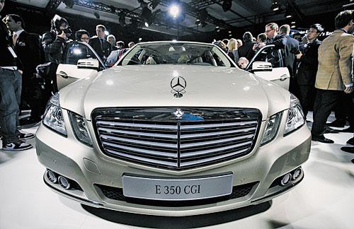 Суперхиты автосалона в Детройте Новый Mercedes-Benz E-класса с квадратными фарами