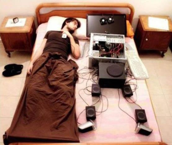 Фото приколы, курьезы: Компьютерные - Не вылазишь из ИНЕТУ, значит личной жизни нету.
