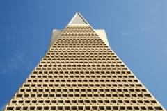 Пирамида потребностей: кто является её «строителем»?