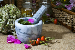 Косметика из лекарственных растений: какие её виды можно приготовить в домашних условиях?