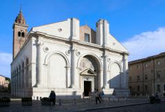 Римини: кто прославил этот город?