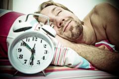 Как уснуть безо всякой химии и пилюль? Вагоны, водка, травка, секс, тик-так