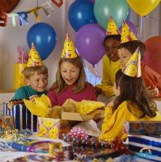 Как организовать детский праздник в домашних условиях с наименьшими затратами? Празднуем в кругу семьи
