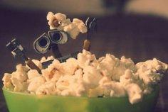 Сколько калорий в ведре попкорна?