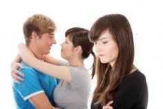Почему женщина более ревнива?
