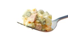 Оливье. В чем классовая сущность метаморфозы любимого салата?