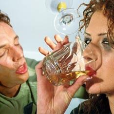 Алкоголиков лечат делением