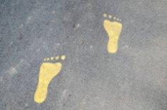 Босоноги на улицах города: кто это?