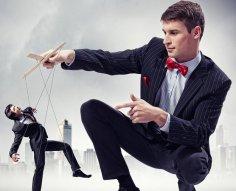 Подмена понятий: чем опасны манипуляторы и как распознать «программу»?