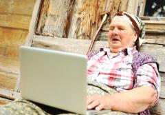 Приемная семья для пожилых людей. Нужна ли она?