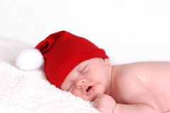 Что подарить родителям новорождённого?
