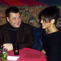 Сергей Жуков изменяет жене