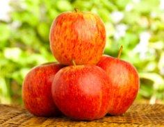 Чем удивить гостей? Пылающими яблоками!