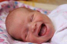 Как развивать ребенка первого месяца жизни? Осязание