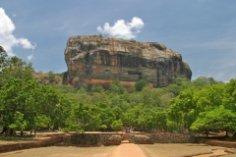 Шри-Ланка, Сигирия. История страха и воздаяния или снова монастырь?